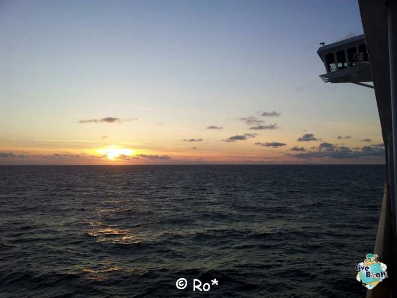 2015/06/08 - MSC Splendida - Navigazione-liveboat-135-msc-splendida-crociera-fiordi-navigazione-svalbard-jpg