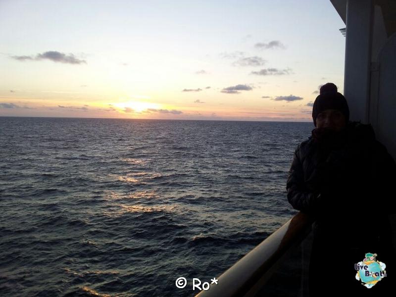 2015/06/08 - MSC Splendida - Navigazione-liveboat-137-msc-splendida-crociera-fiordi-navigazione-svalbard-jpg