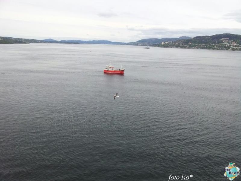 2015/06/09 - MSC Splendida - Bergen-9foto-msc_splendida-liveboat-jpg