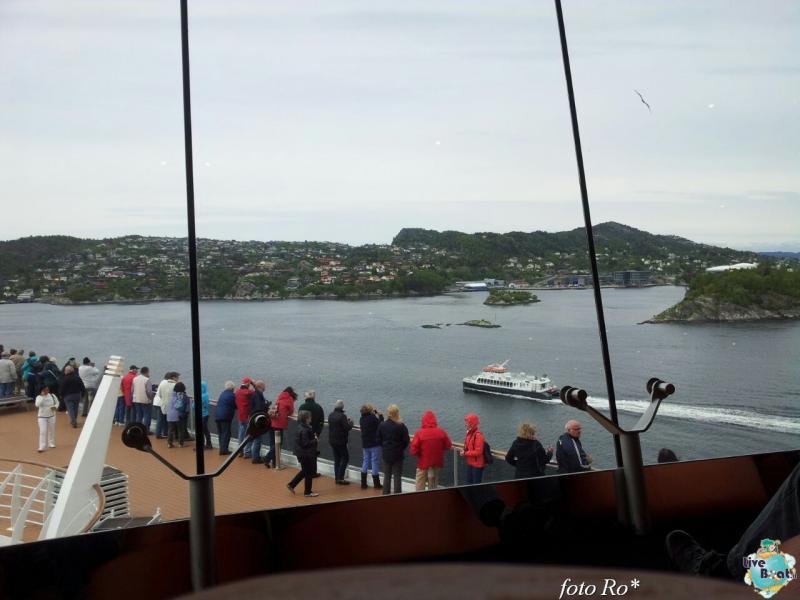 2015/06/09 - MSC Splendida - Bergen-11foto-msc_splendida-liveboat-jpg