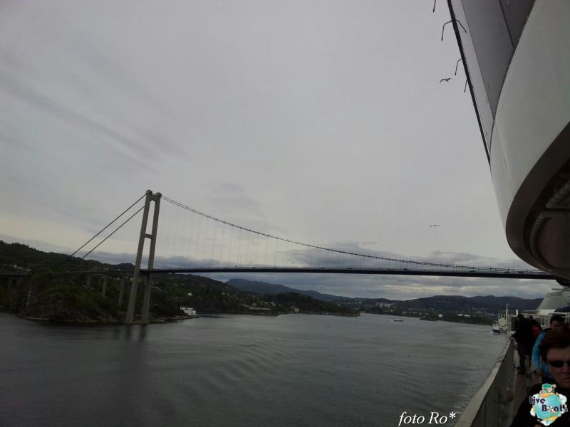 2015/06/09 - MSC Splendida - Bergen-16foto-msc_splendida-liveboat-jpg