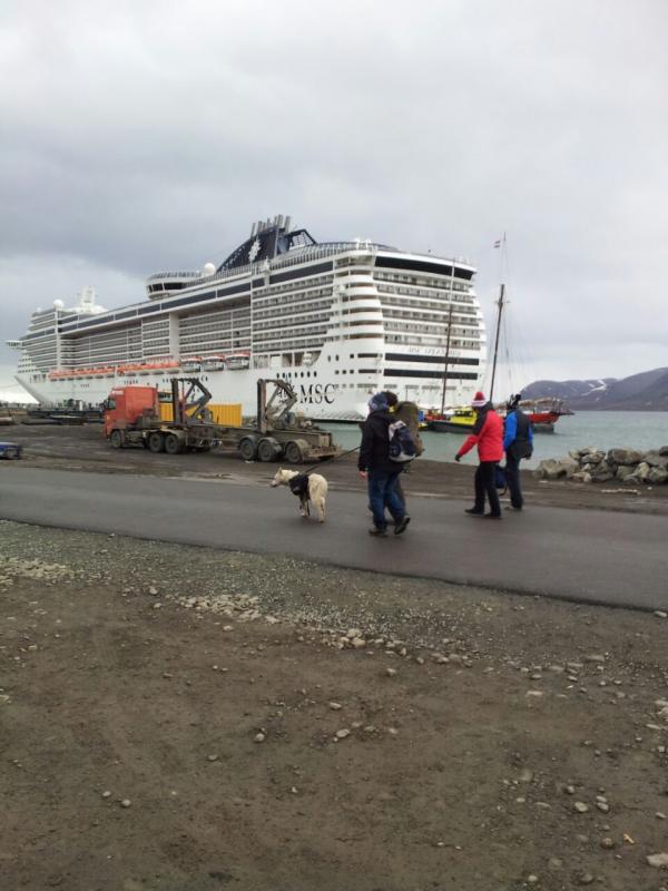 2015/06/13 - MSC Splendida - Longyearbyen-uploadfromtaptalk1434198401957-jpg