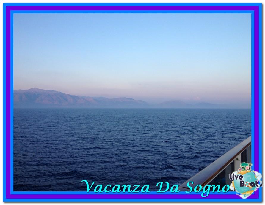 08/07/2013 MSC Fantasia-Viaggio ad Atlantide-mare-corf-10-jpg