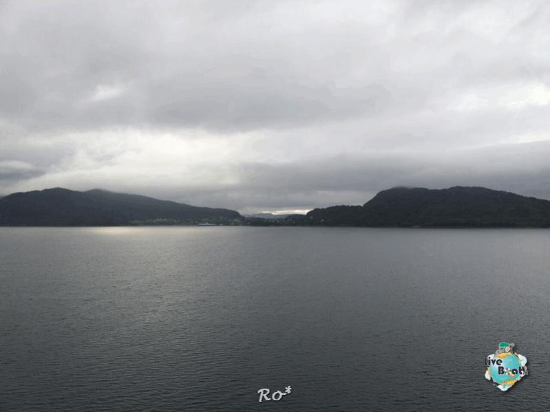 2015/06/19 - MSC Splendida - Stavanger-liveboat-003-msc-splendida-fiordi-stavager-jpg