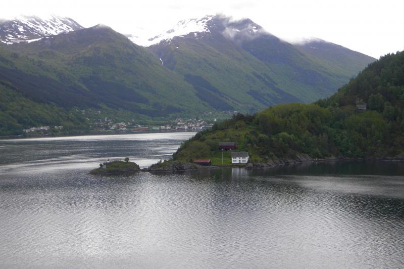 Costa favolosa- fiordi norvegesi- 06/06/--13/06/2015-dscn3236-jpg