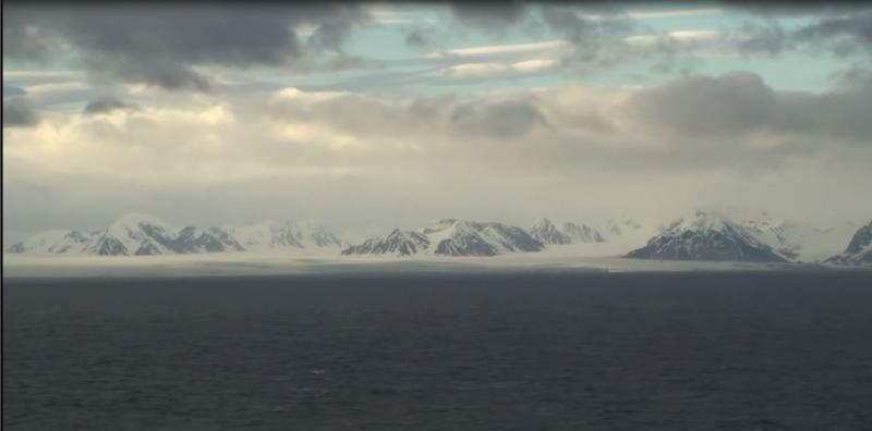 2015/06/13 - MSC Splendida - Longyearbyen-crociera-svalbard-msc-splendida-1-jpg