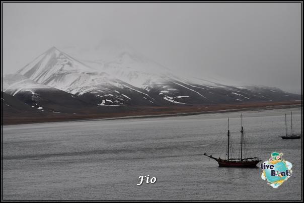 2015/06/13 - MSC Splendida - Longyearbyen-msc-splendida-svalbard-panorami-3-jpg