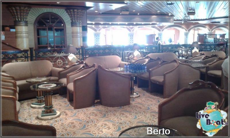 Explorers lounge-52island-princess-liveboatcrociere-jpg