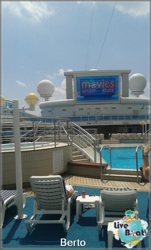 Lido pool-114island-princess-liveboatcrociere-jpg