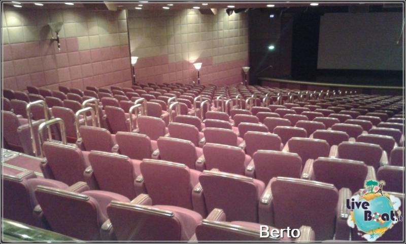 Princess theatre-145island-princess-liveboatcrociere-jpg