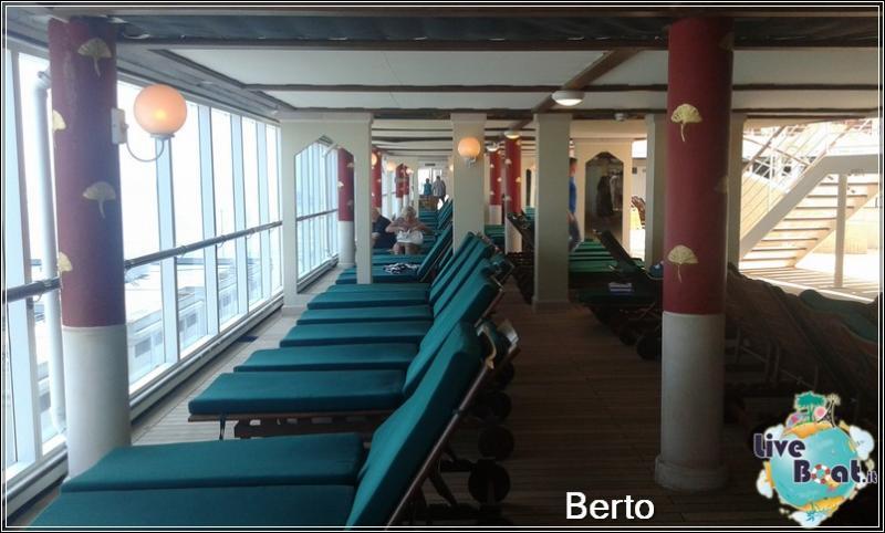 Lotus pool-120island-princess-liveboatcrociere-jpg