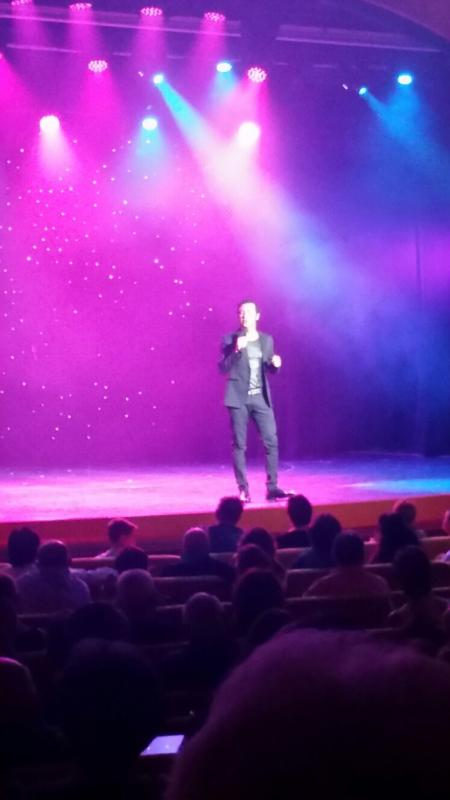 2015/09/08 Costa Luminosa- Vigo--spettacolo-teatro-costa-luminosa-3-jpg