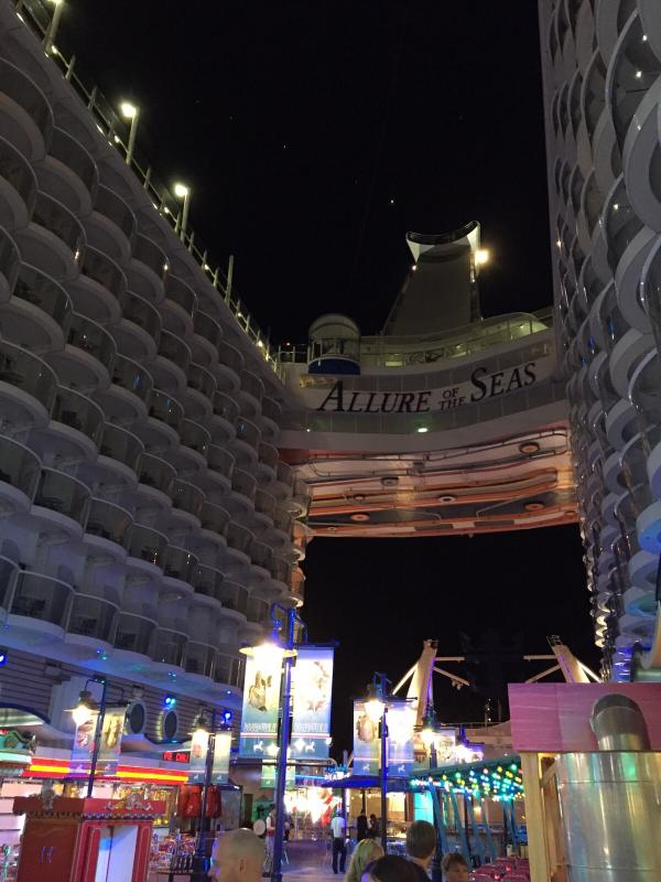 2015/09/23 Allure of the seas a La Spezia-serata-bordo-allure-of-the-seas-spezia-12-jpg