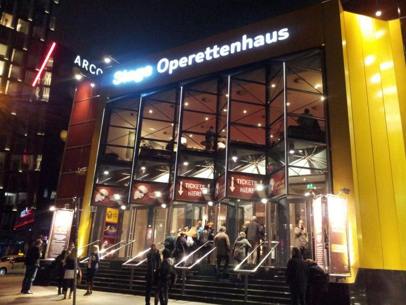 2015/10/22 - Norwegian Escape - Crociera lancio - Amburgo-17-jpg