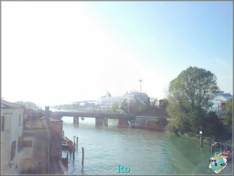 2015/11/03 MSC Opera Partenza da Venezia-foto-msc-opera-imbarco-venezia-crociera-blogger-forum-crociere-liveboat-22-jpg