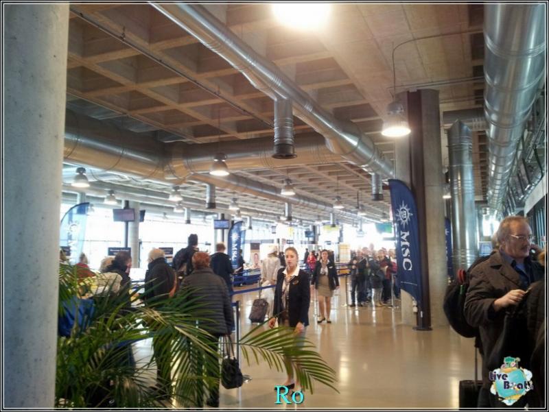 2015/11/03 MSC Opera Partenza da Venezia-foto-msc-opera-imbarco-venezia-crociera-blogger-forum-crociere-liveboat-32-jpg