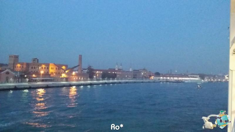 2015/11/03 MSC Opera Partenza da Venezia-livevoat008-crociere-msc-opera-venezia-jpg