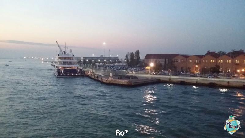 2015/11/03 MSC Opera Partenza da Venezia-livevoat009-crociere-msc-opera-venezia-jpg