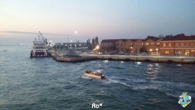 2015/11/03 MSC Opera Partenza da Venezia-livevoat010-crociere-msc-opera-venezia-jpg