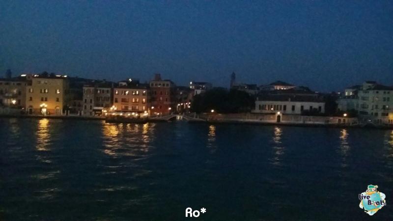 2015/11/03 MSC Opera Partenza da Venezia-liveboat022-crociere-msc-opera-venezia-jpg