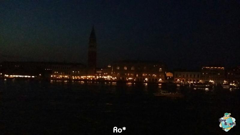 2015/11/03 MSC Opera Partenza da Venezia-liveboat026-crociere-msc-opera-venezia-jpg