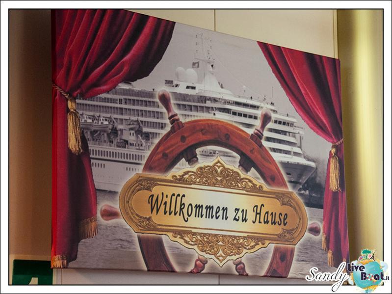 M/S Artania - Atlantik Show Lounge-liveboat-phoenix-reisen-artania-atlantik-show-lounge-10-jpg