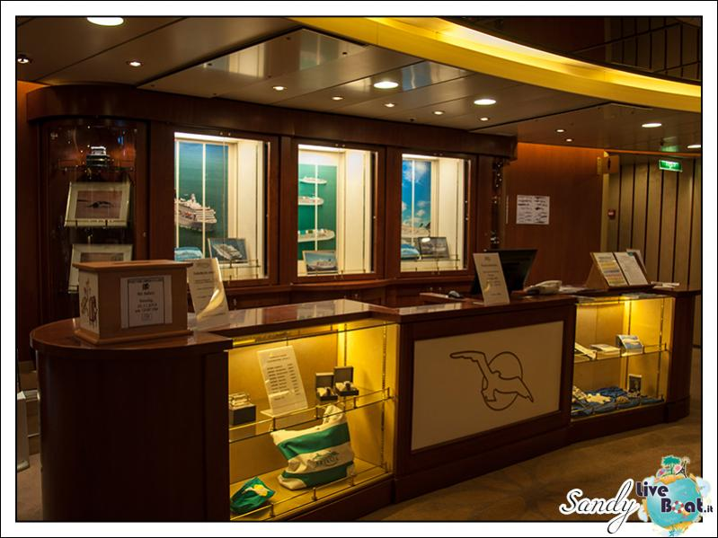 M/S Artania - Atrio-liveboat-phoenix-reisen-artania-atrio-02-jpg