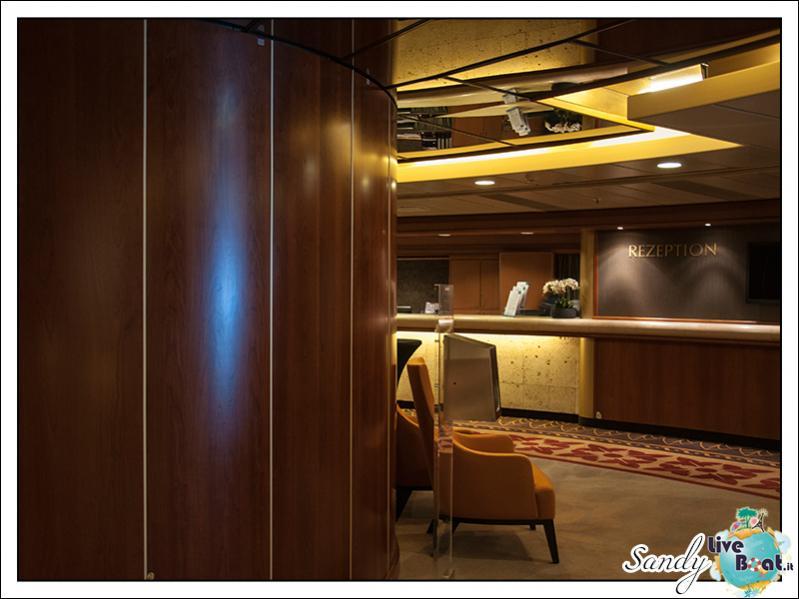 M/S Artania - Atrio-liveboat-phoenix-reisen-artania-atrio-04-jpg