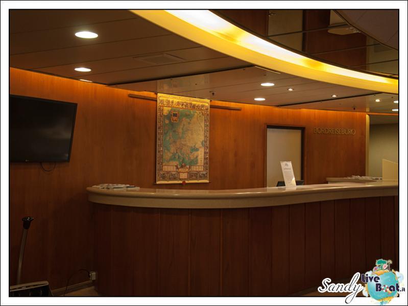 M/S Artania - Atrio-liveboat-phoenix-reisen-artania-atrio-08-jpg