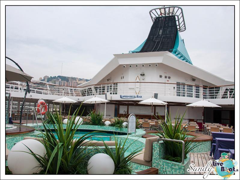 M/S Artania - Kopernikus Pooldeck-liveboat-phoenix-reisen-kopernikus-pooldeck-01-jpg