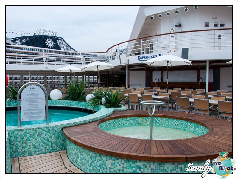 M/S Artania - Kopernikus Pooldeck-liveboat-phoenix-reisen-kopernikus-pooldeck-06-jpg