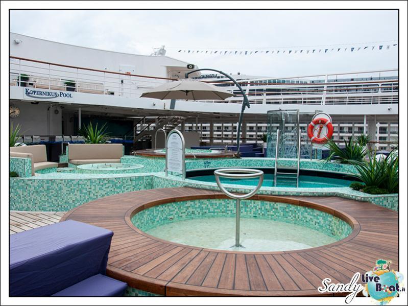 M/S Artania - Kopernikus Pooldeck-liveboat-phoenix-reisen-kopernikus-pooldeck-07-jpg