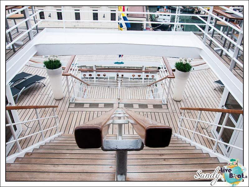M/S Artania - Passeggiando per la nave-liveboat-phoenix-reisen-08-jpg