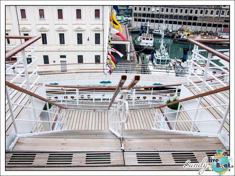 M/S Artania - Passeggiando per la nave-liveboat-phoenix-reisen-09-jpg