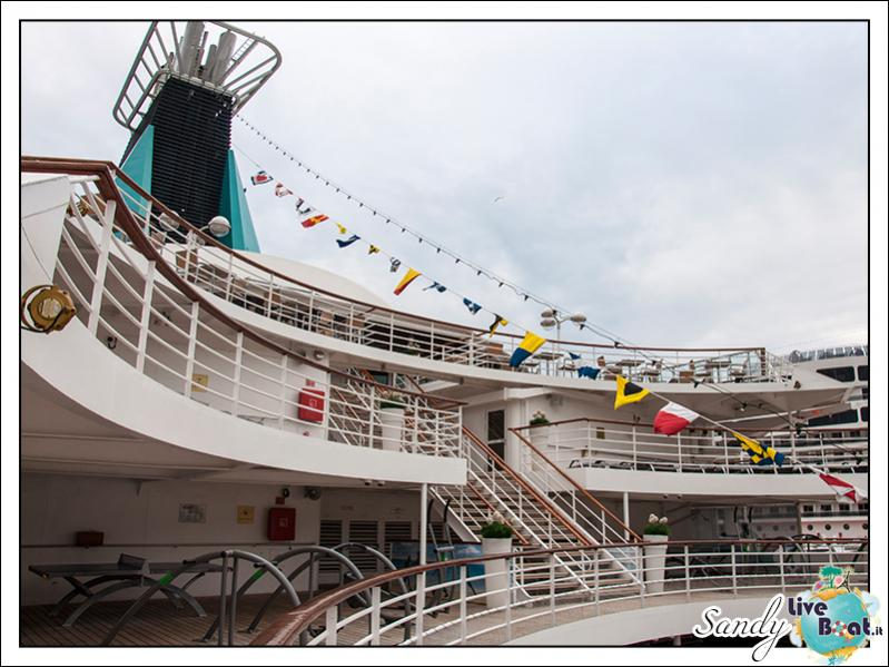 M/S Artania - Passeggiando per la nave-liveboat-phoenix-reisen-12-jpg