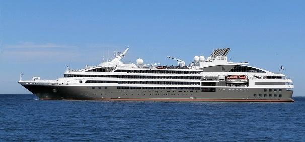 Incendio sulla nave Le Boreal di CdP, evacuati passeggeri ed equipaggio-le_boreal-1-jpg
