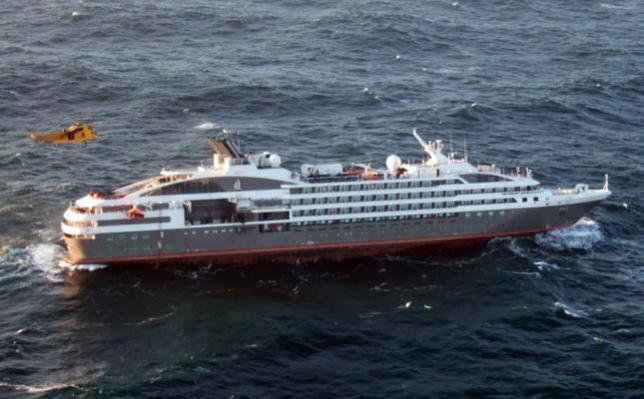 Incendio sulla nave Le Boreal di CdP, evacuati passeggeri ed equipaggio-untitled-jpg