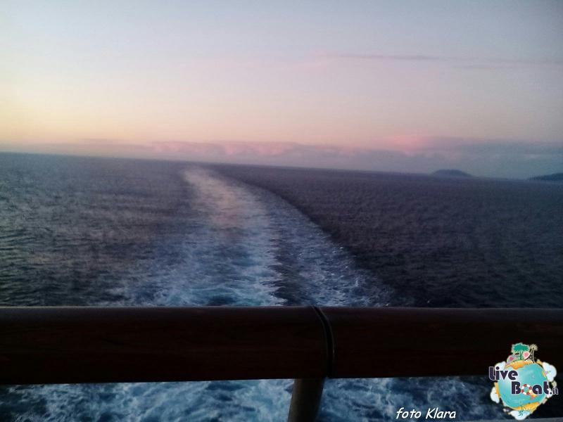2015/12/07 Costa neoClassica Kalamata, Greece-6foto-liveboat-costa-neoclassica-jpg