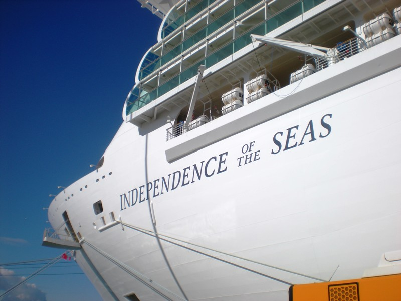 Il musical Grease debutta a bordo delle navi Royal Caribbean-01-jpg