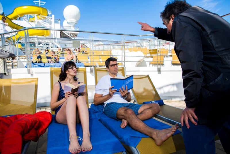 "Nave Costa set del film di Natale ""Vacanze ai Caraibi""-piscina-protagonisti-jpg"
