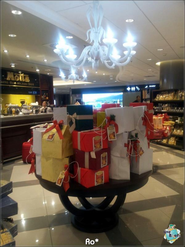 2015/12/12 Dubai Imbarco Msc Musica-liveboat002-crociere-msc-musica-dubai-emirati-arabi-jpg