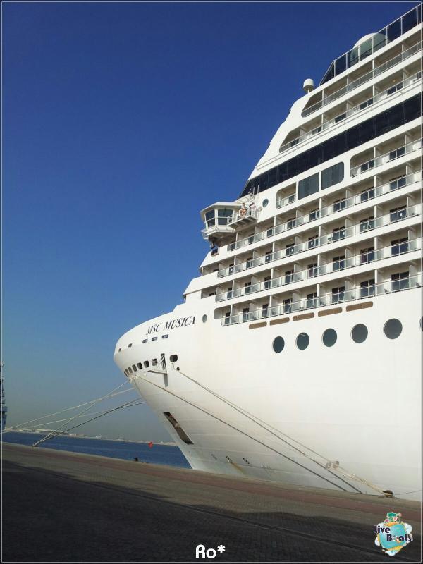 2015/12/12 Dubai Imbarco Msc Musica-liveboat080-crociere-msc-musica-dubai-emirati-arabi-jpg