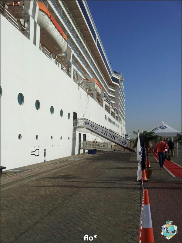2015/12/12 Dubai Imbarco Msc Musica-liveboat081-crociere-msc-musica-dubai-emirati-arabi-jpg