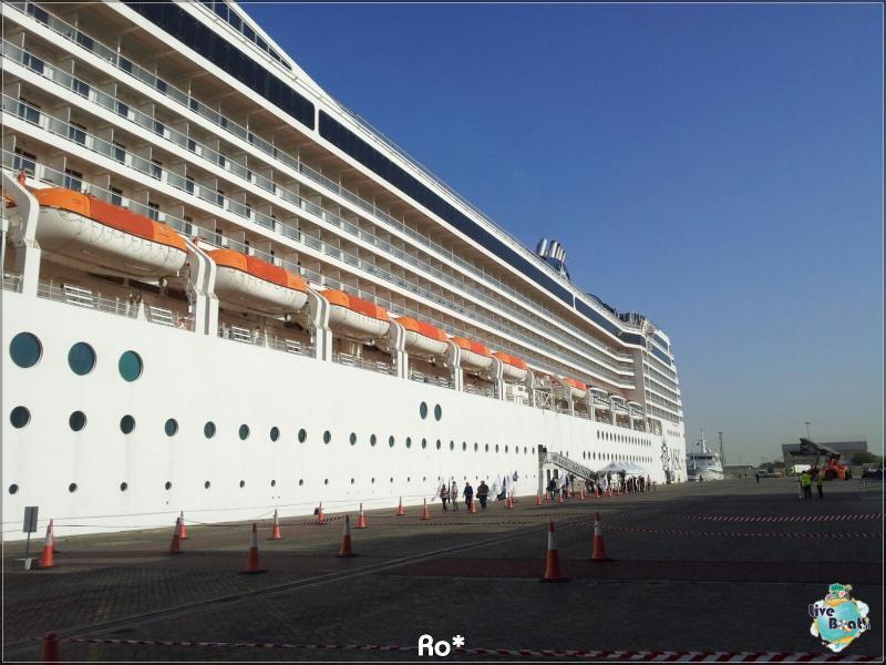 2015/12/12 Dubai Imbarco Msc Musica-liveboat082-crociere-msc-musica-dubai-emirati-arabi-jpg