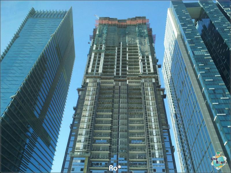 2015/12/12 Dubai Imbarco Msc Musica-liveboat097-crociere-msc-musica-dubai-emirati-arabi-jpg