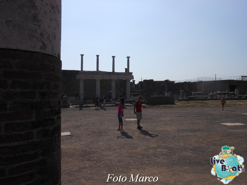 Cosa visitare a Napoli -Italia--40foto-liveboat-napoli-capri-pompei-sorrento-jpg
