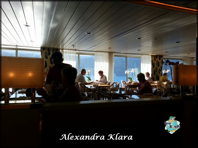 2013/09/06 Santorini  Ryndam-rientro-nave-santorini-grecia-diretta-liveboat-15-jpg