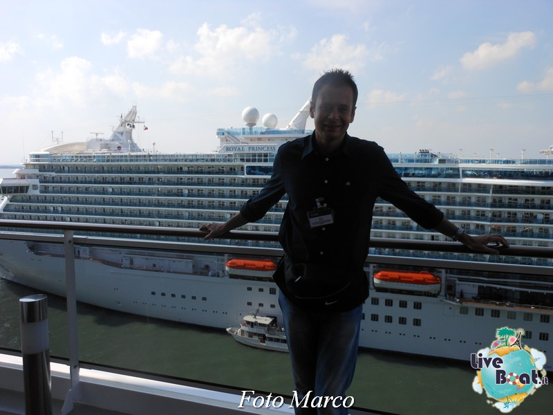 2013/09/14 MSC Divina LA LIBRERIA EDITRICE VATICANA A PORDEN-75foto-liveboat-libreria-editrice-vaticana-pordenone-msc-divina-jpg