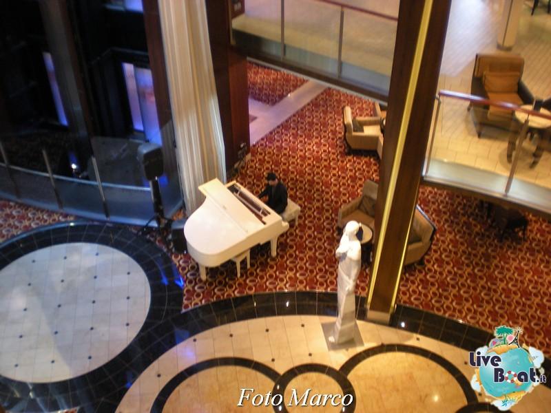 Grand Foyer di  Celebrity Silhouette-4foto-liveboat-celebrity-silhouette-jpg