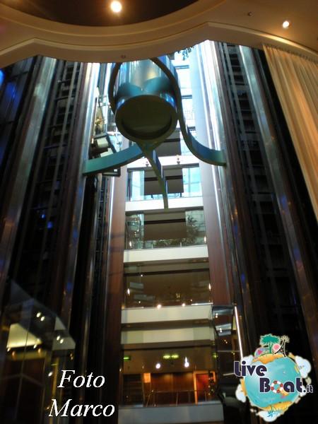 Grand Foyer di  Celebrity Silhouette-17foto-liveboat-celebrity-silhouette-jpg